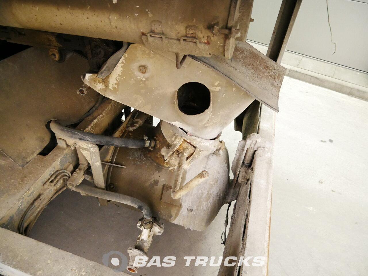 foto de Usado Semirremolque M.C. Machines VLTR Screedpump / Mortar / Estrich / Concrete / Beton / MC Machines Ejes 2006