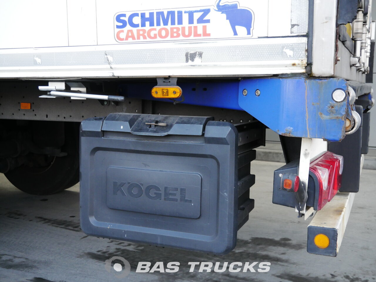 foto de Usado Semirremolque Schmitz SKO24 Doppelstock Trennwand Carrier Vector 1850 Liftachse Ejes 2012