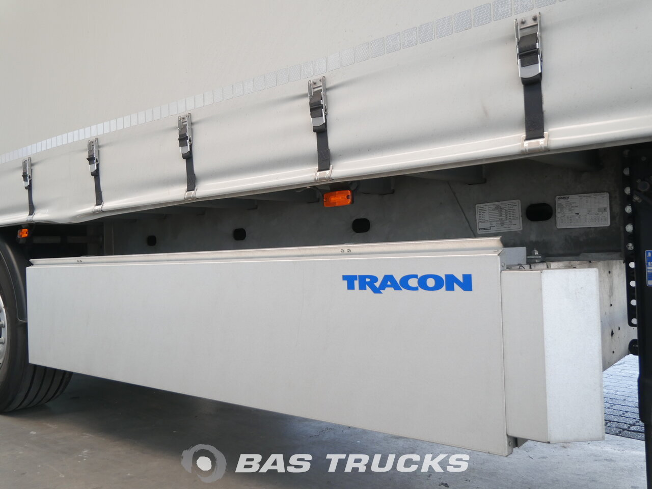 foto de Usado Semirremolque Tracon TO1627 Auto transport Rampen 3 Ejes 2018