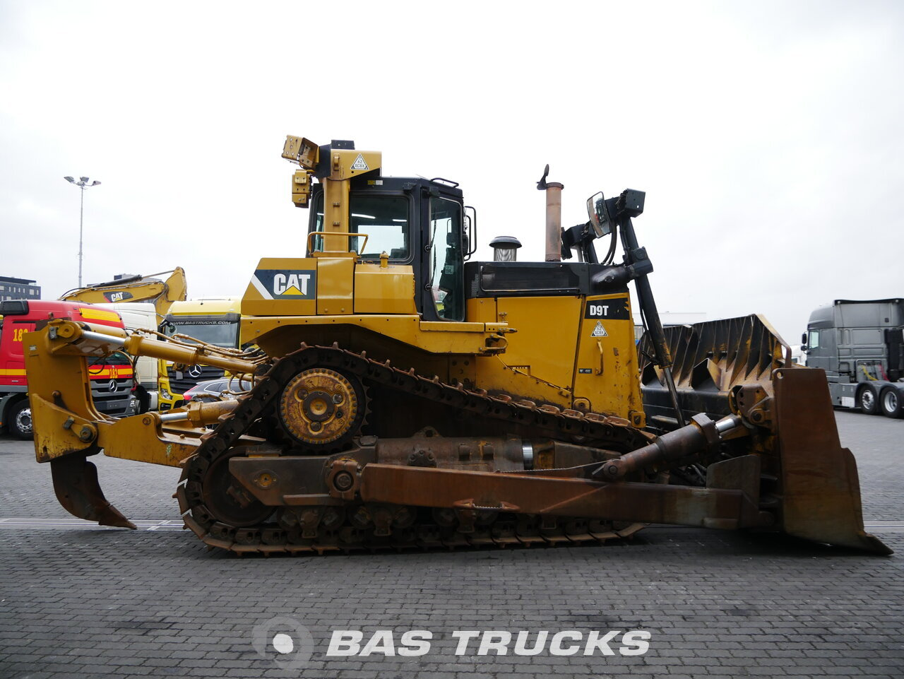 foto di Usato Macchine Movimento Terra Caterpillar D9T Track 2010