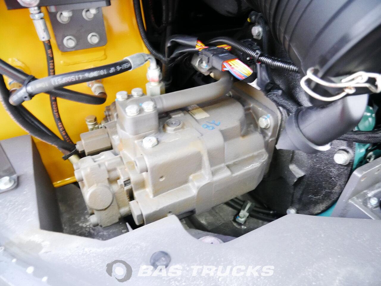 foto di Usato Macchine Movimento Terra Volvo ECR88 PLUS Track 2018