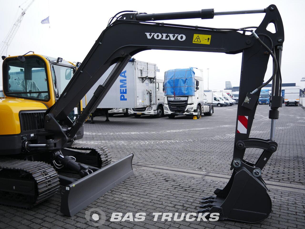 foto di Usato Macchine Movimento Terra Volvo ECR88 Track 2018
