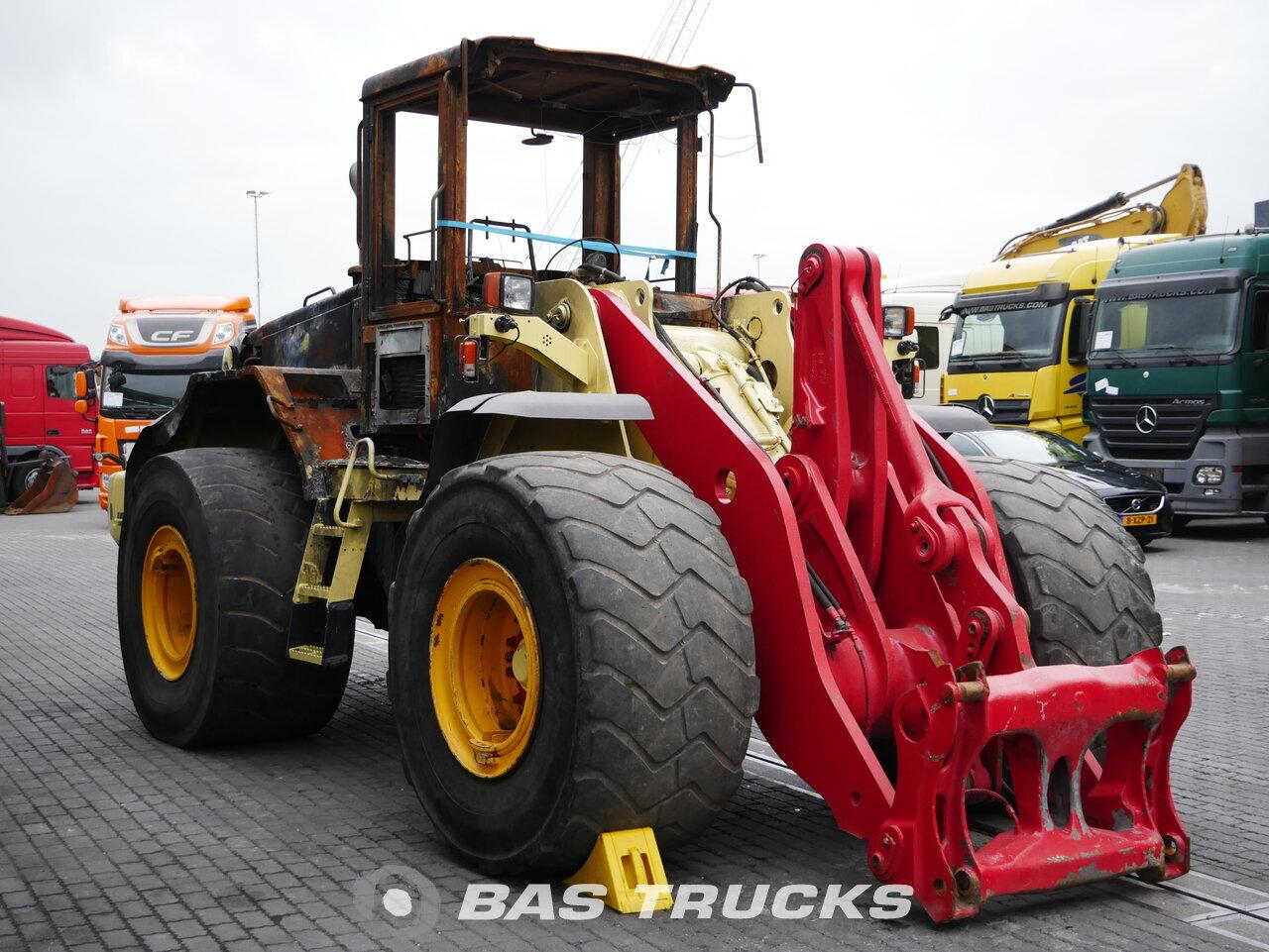 foto di Usato Macchine Movimento Terra Volvo L 120E 4X4 2004