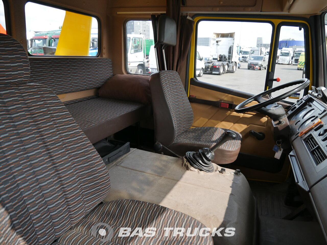 foto di Usato Motrice Mercedes 1317 L 4X2 1992
