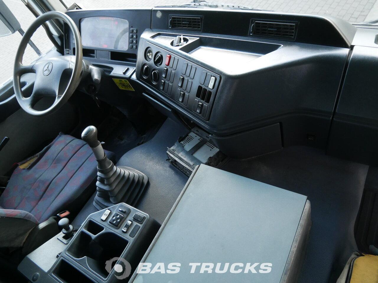 foto di Usato Motrice Mercedes Actros 3331 B 6X4 2001