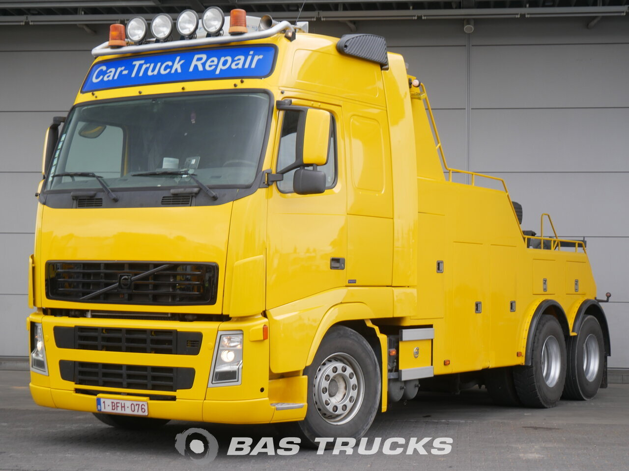 foto di Usato Motrice Volvo FH12 420 6X2 2003