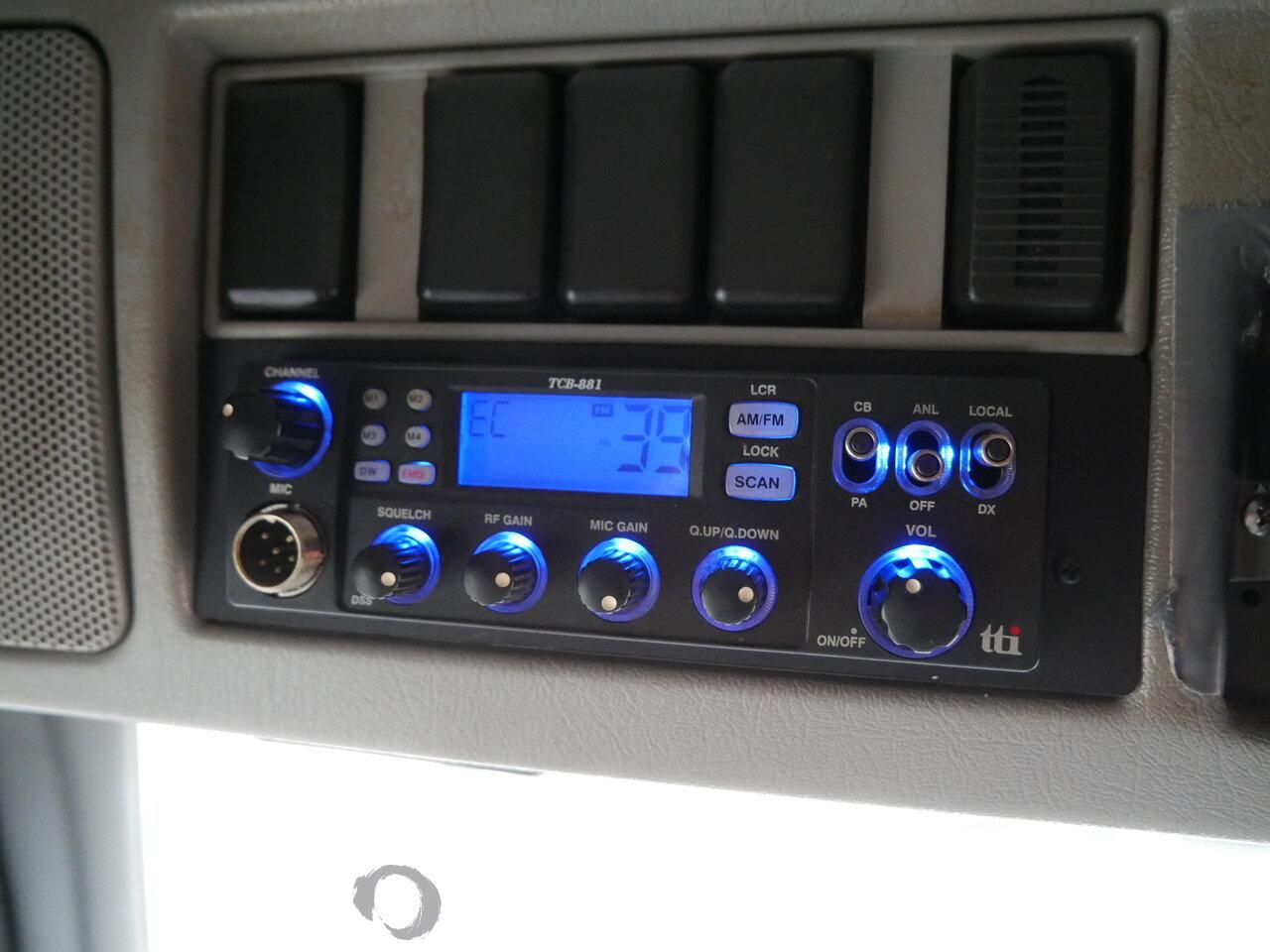 foto di Usato Motrice Volvo FM 300 4X2 2011