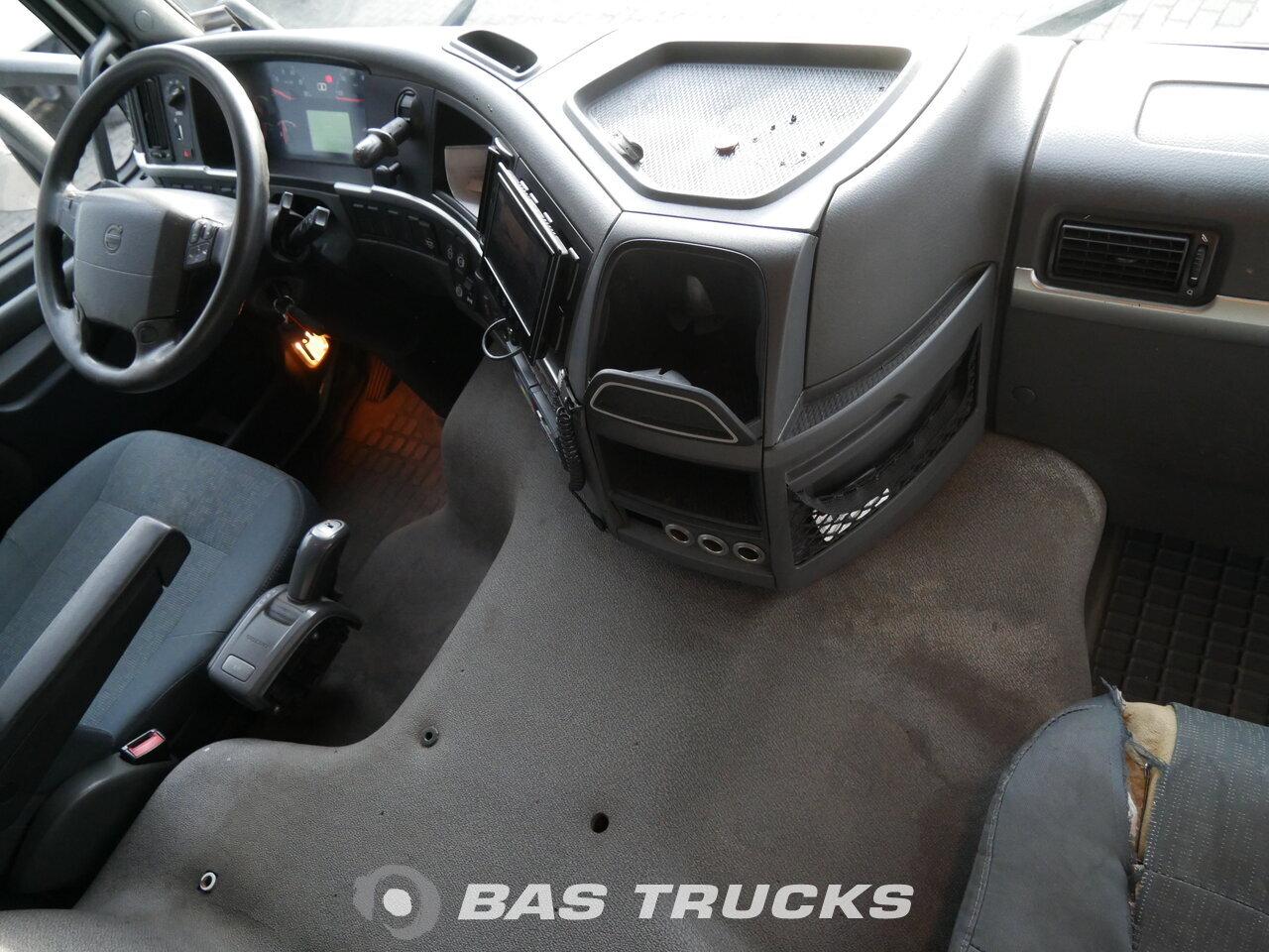 foto di Usato Motrice Volvo FM 330 4X2 2011