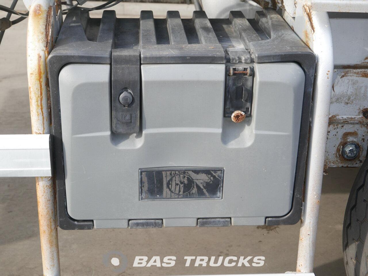 foto di Usato Semirimorchio DE BUF BM 10-33-2 10m3 Beton Mixer assi 2002