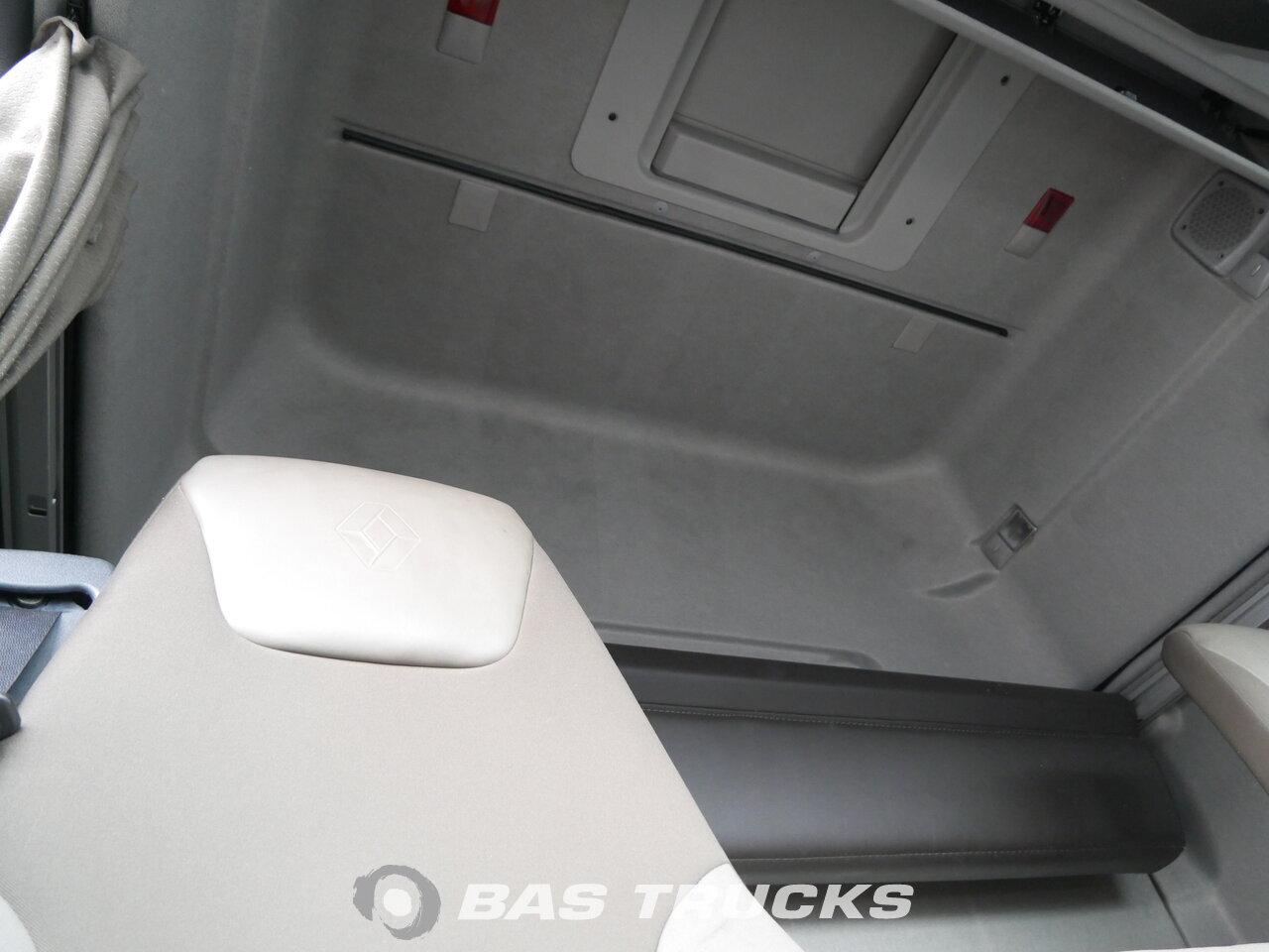 foto di Usato Trattore Renault Premium 460 4X2 2011