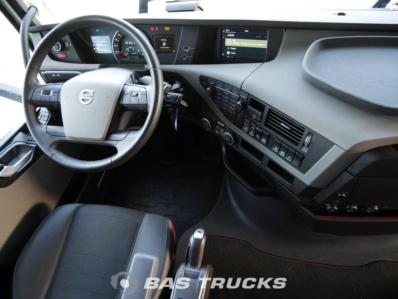 foto di Usato Trattore Volvo FH 500 XL 4X2 2017