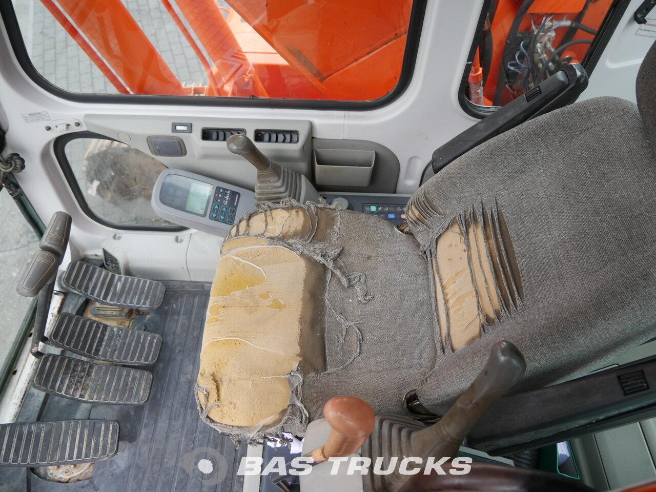 photo of Used Construction equipment Daewoo-Doosan 130LC-V Track 2000