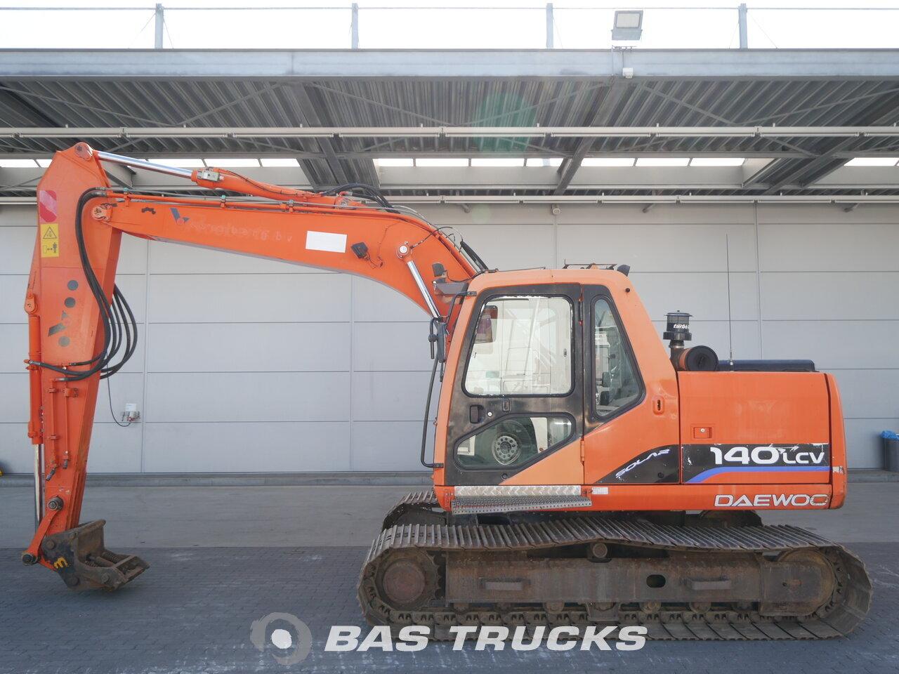 photo of Used Construction equipment Daewoo-Doosan 140 LC-V Track 2005