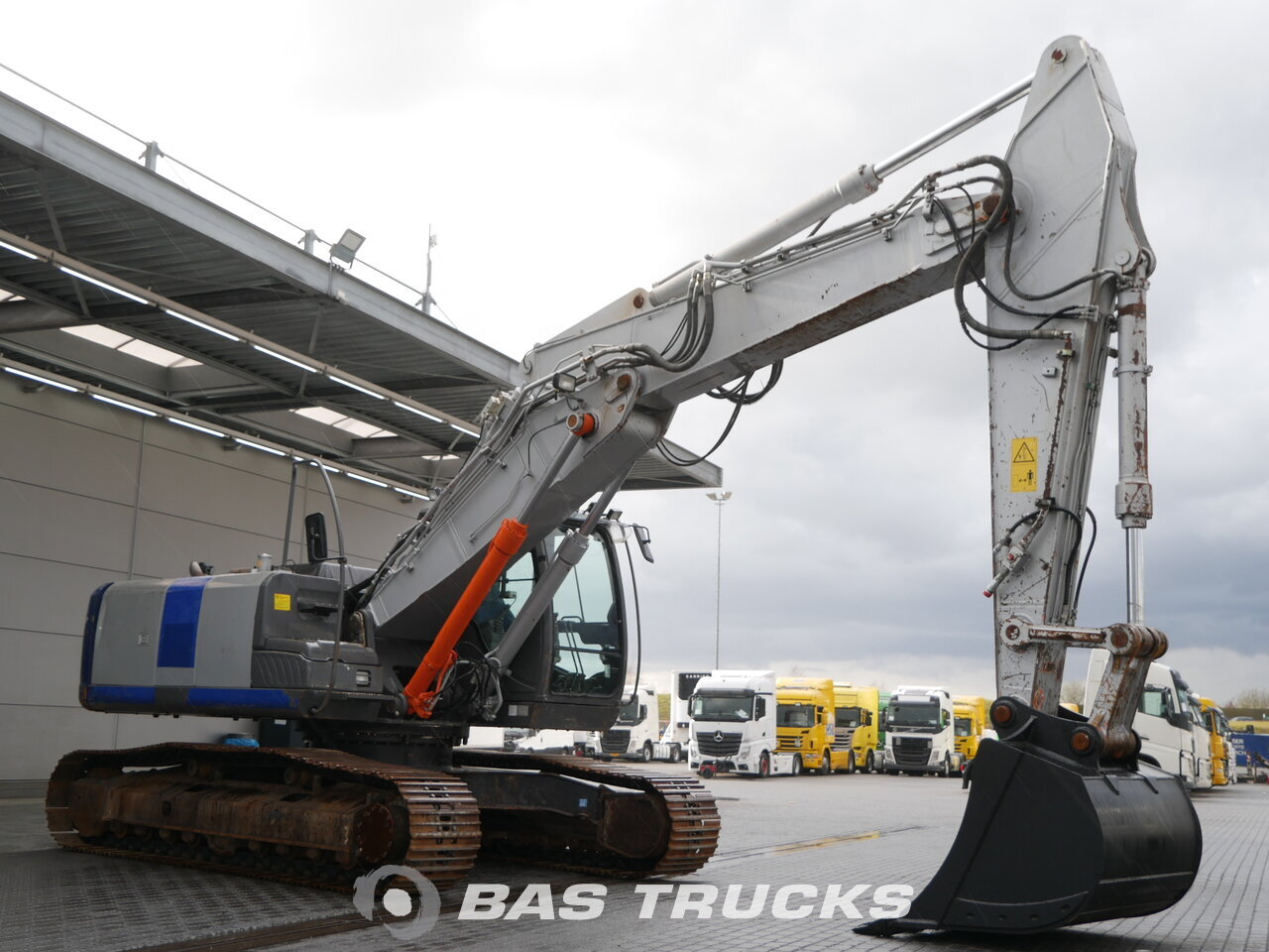 photo of Used Construction equipment Hitachi ZX250LC-3 Track 2008