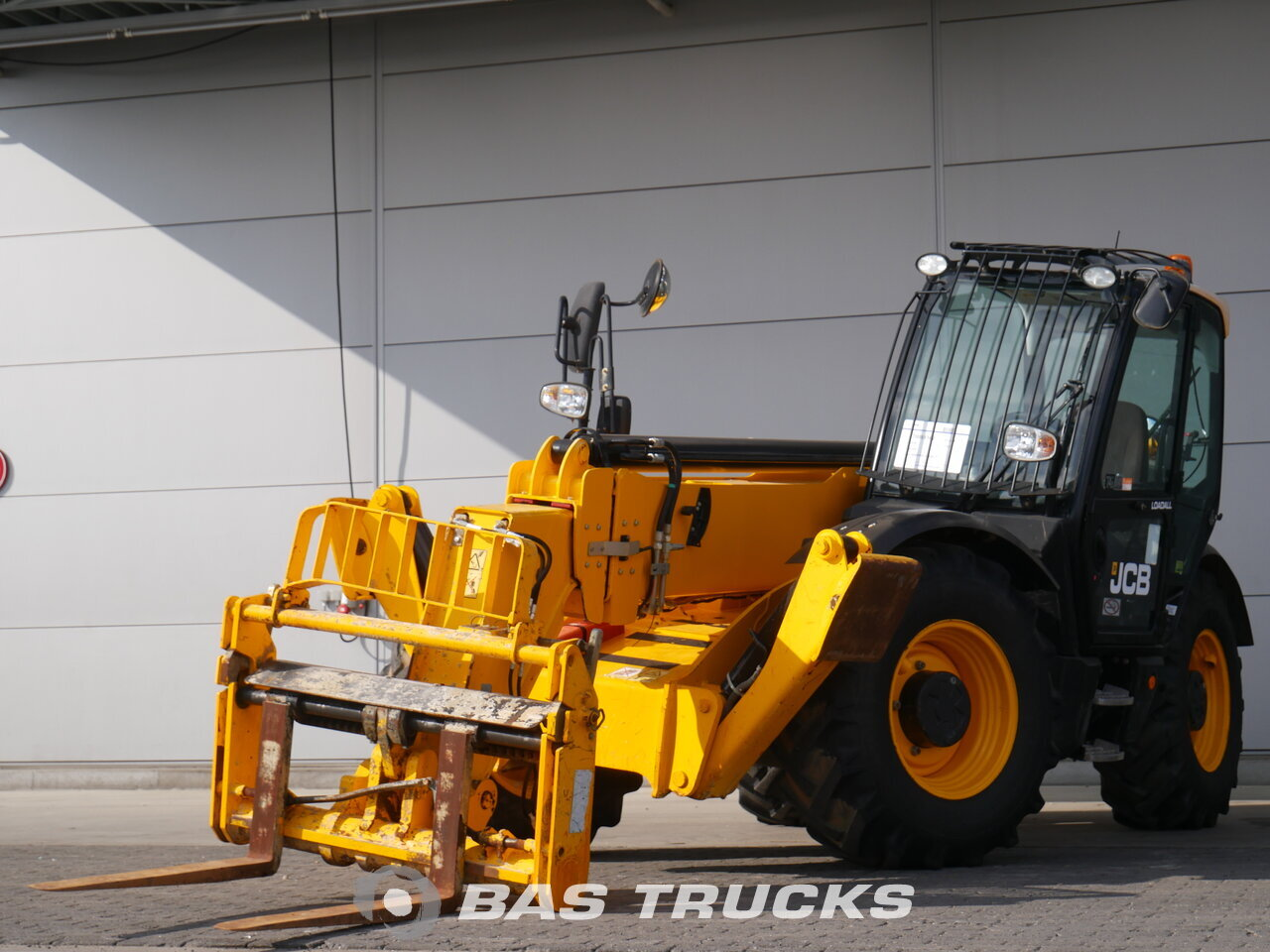 photo of Used Construction equipment JCB 535-140 HIVIZ 4X4 2014