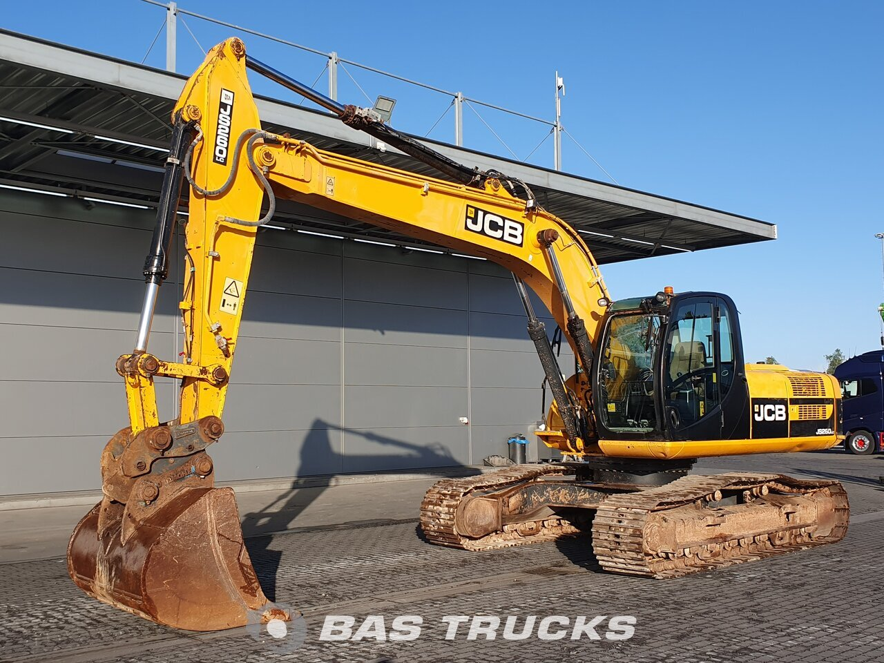 For sale at BAS Trucks: JCB JS260LC Track 01/2010