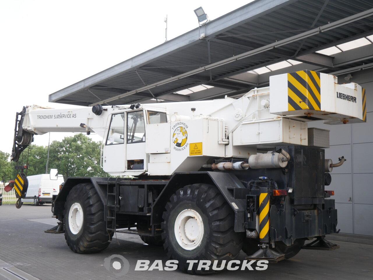 photo of Used Construction equipment Liebherr LTL1060 4X4 1984