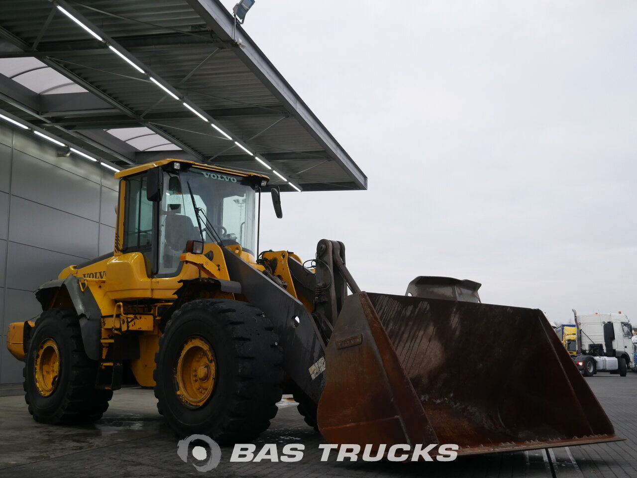 photo of Used Construction equipment Volvo L120F 4X4 2011