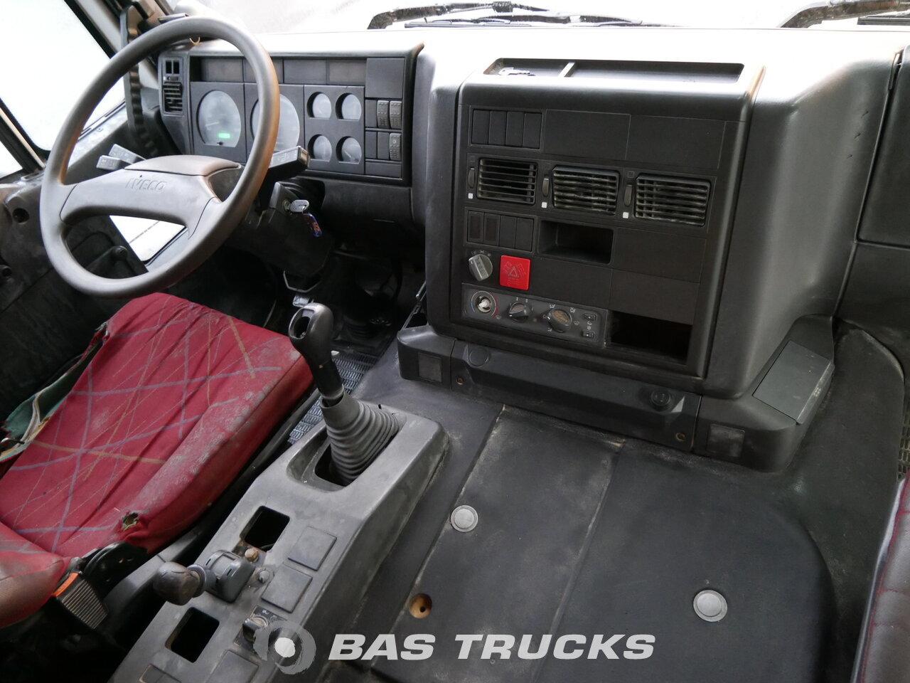 Fénykép: Used Kamion IVECO Trakker AD380T38 6X4 2006