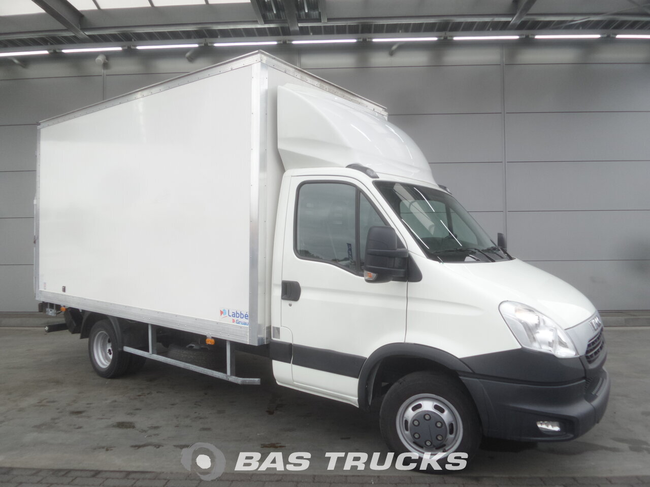 iveco daily light commercial vehicle 21900 bas trucks. Black Bedroom Furniture Sets. Home Design Ideas
