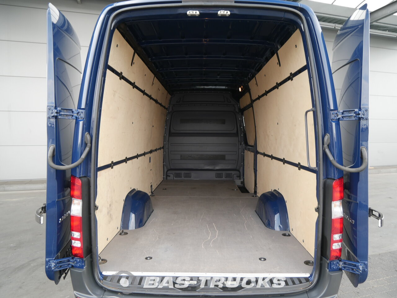 photo of Used Light commercial vehicle Mercedes Sprinter 2016