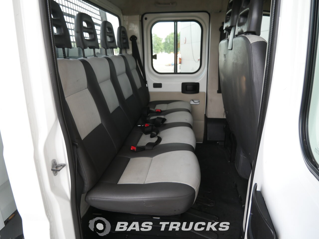 photo of Used Light commercial vehicle Peugeot Boxer 2011