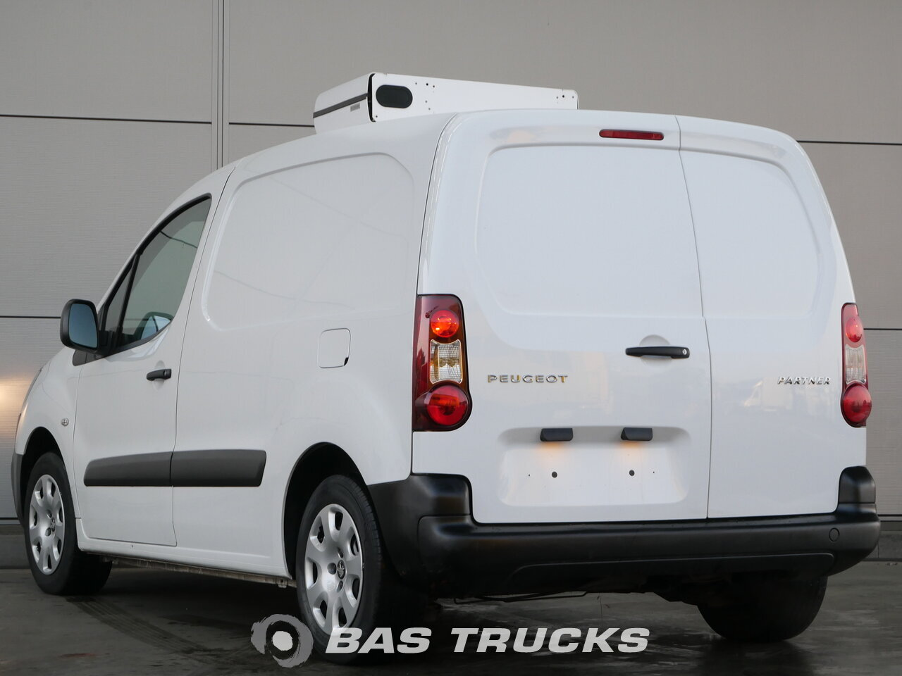 photo of Used Light commercial vehicle Peugeot Partner 2015