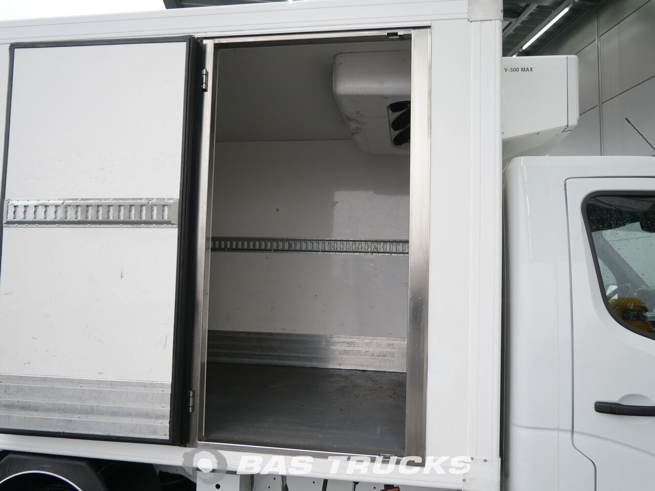 photo of Used Light commercial vehicle Renault Master 2011