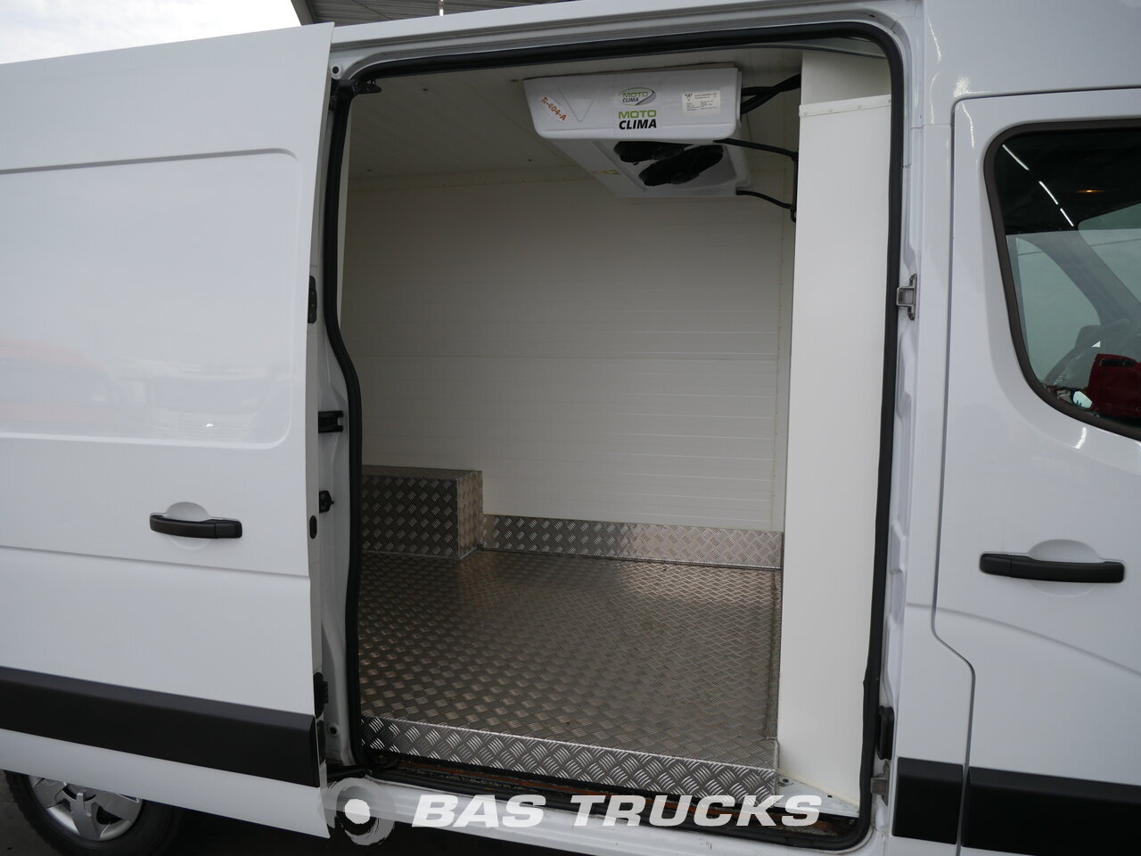 photo of Used Light commercial vehicle Renault Master 2014