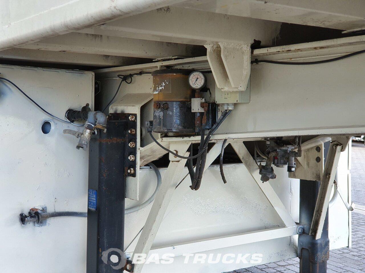 photo of Used Semi-trailer EKW Screedpump / Mortar / Estrich / Concrete / Beton / MC Machines Axels 2001