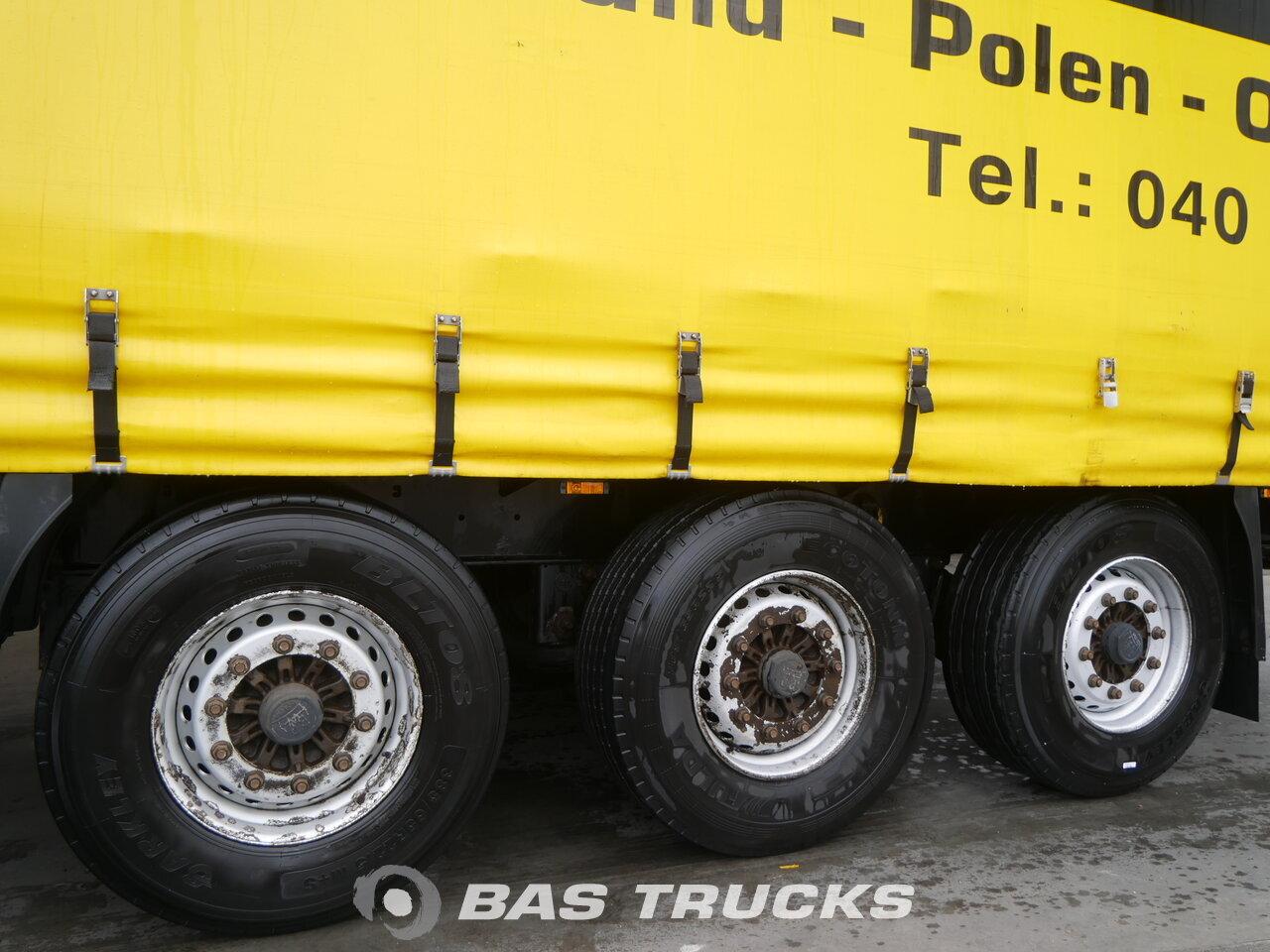 photo of Used Semi-trailer Krone Bordwande SD Axels 2011