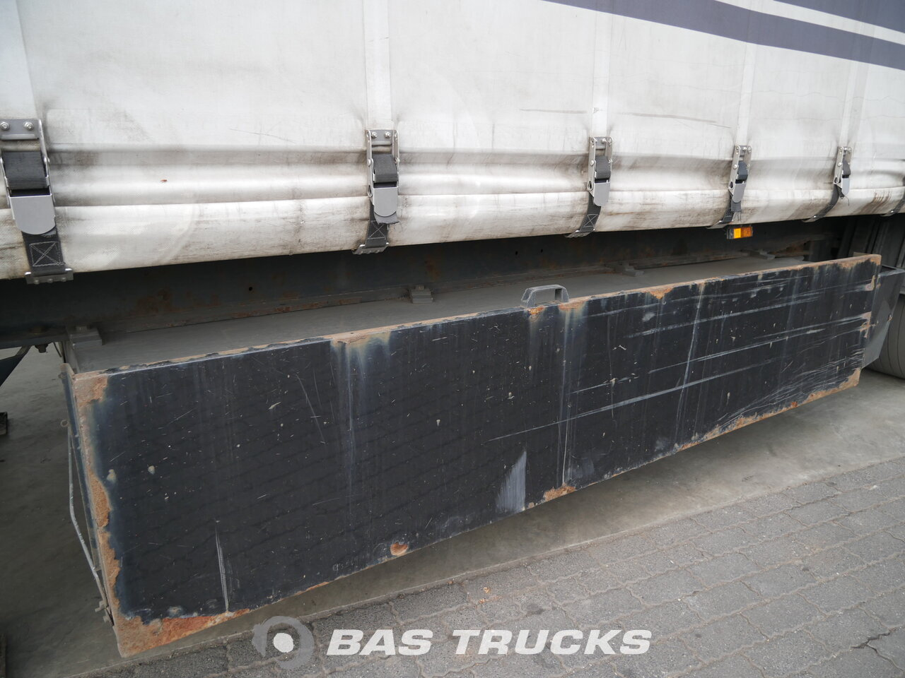 photo of Used Semi-trailer Krone Mega Hubdach Liftachse Palettenkasten SD Axels 2008