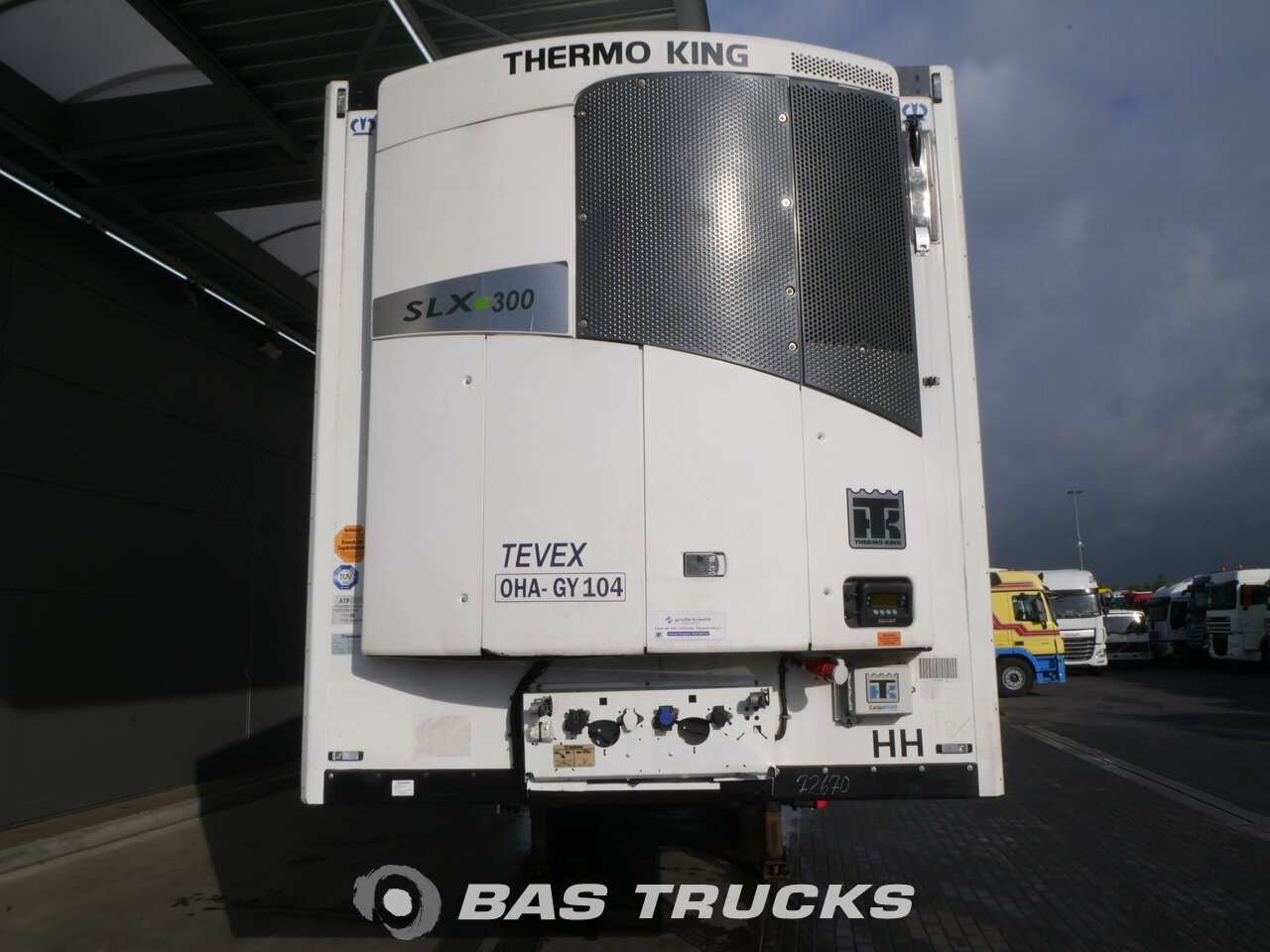 photo of Used Semi-trailer Krone SD Doppelstock Thermoking SLX-300 8497 Hours Axels 2013