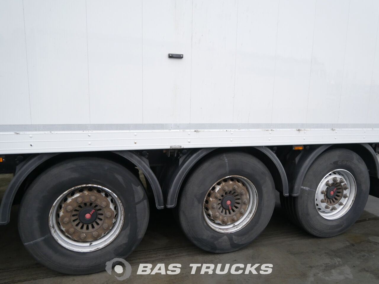 photo of Used Semi-trailer Reisch 91m3 Cargofloor RSBS-35/24LK Axels 2012