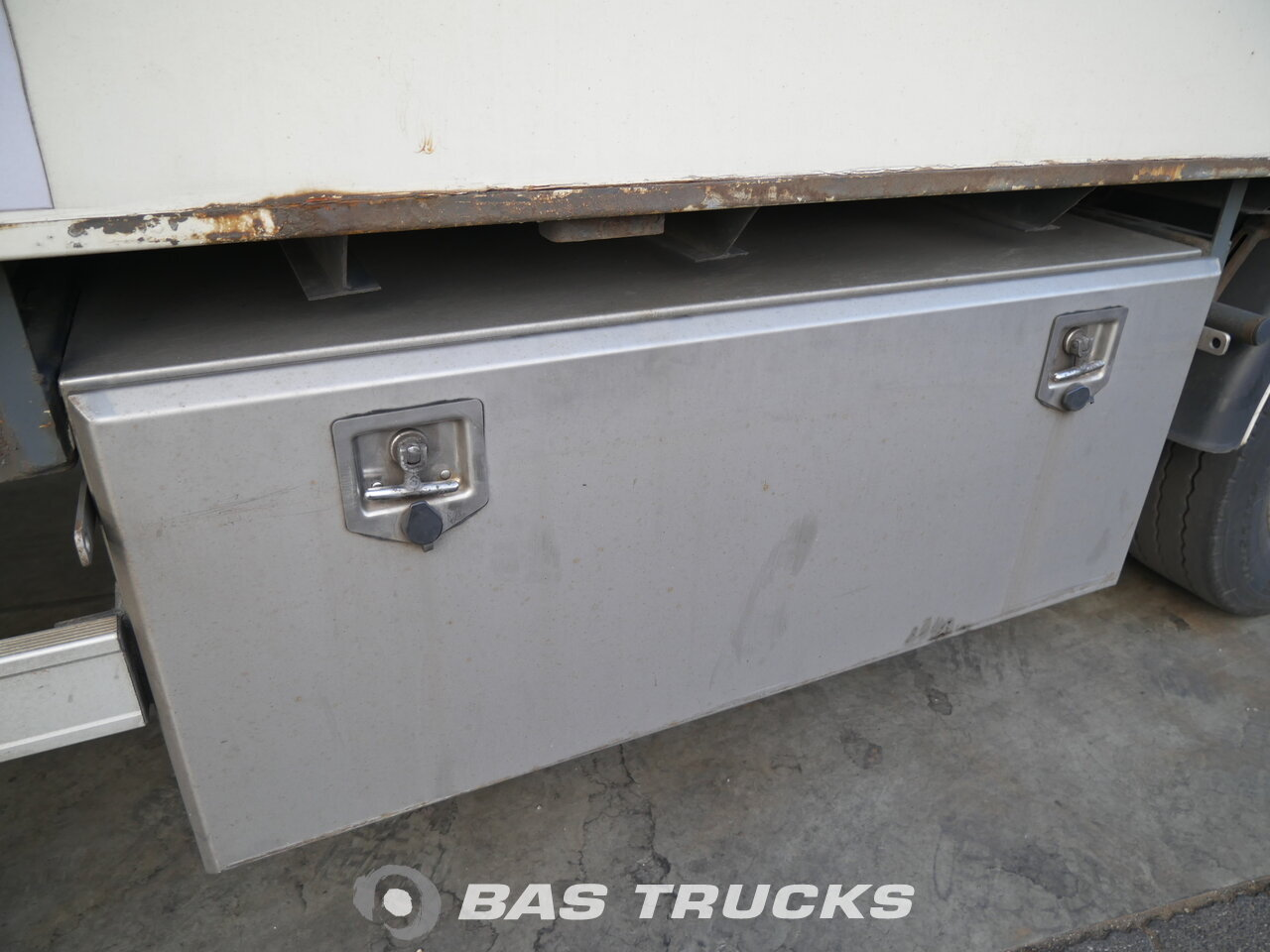 photo of Used Semi-trailer Van Eck Mega Aircargo 3 Axels 2004