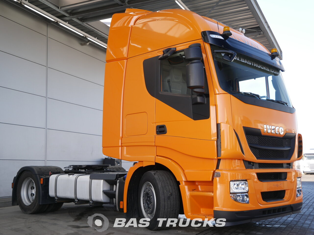 photo of Used Tractorhead IVECO Stralis AS440S48 Hi-Way 4X2 2015
