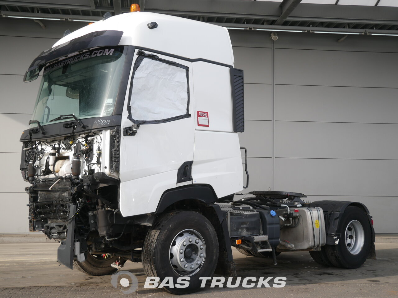 photo of Used Tractorhead Renault T 460 Unfall Fahrbereit 4X2 2016