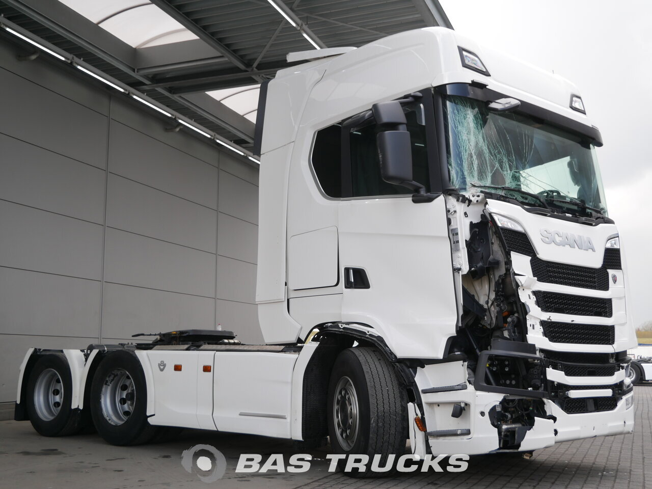 photo of Used Tractorhead Scania S520 V8 Unfall Fahrbahr 6X2 2017