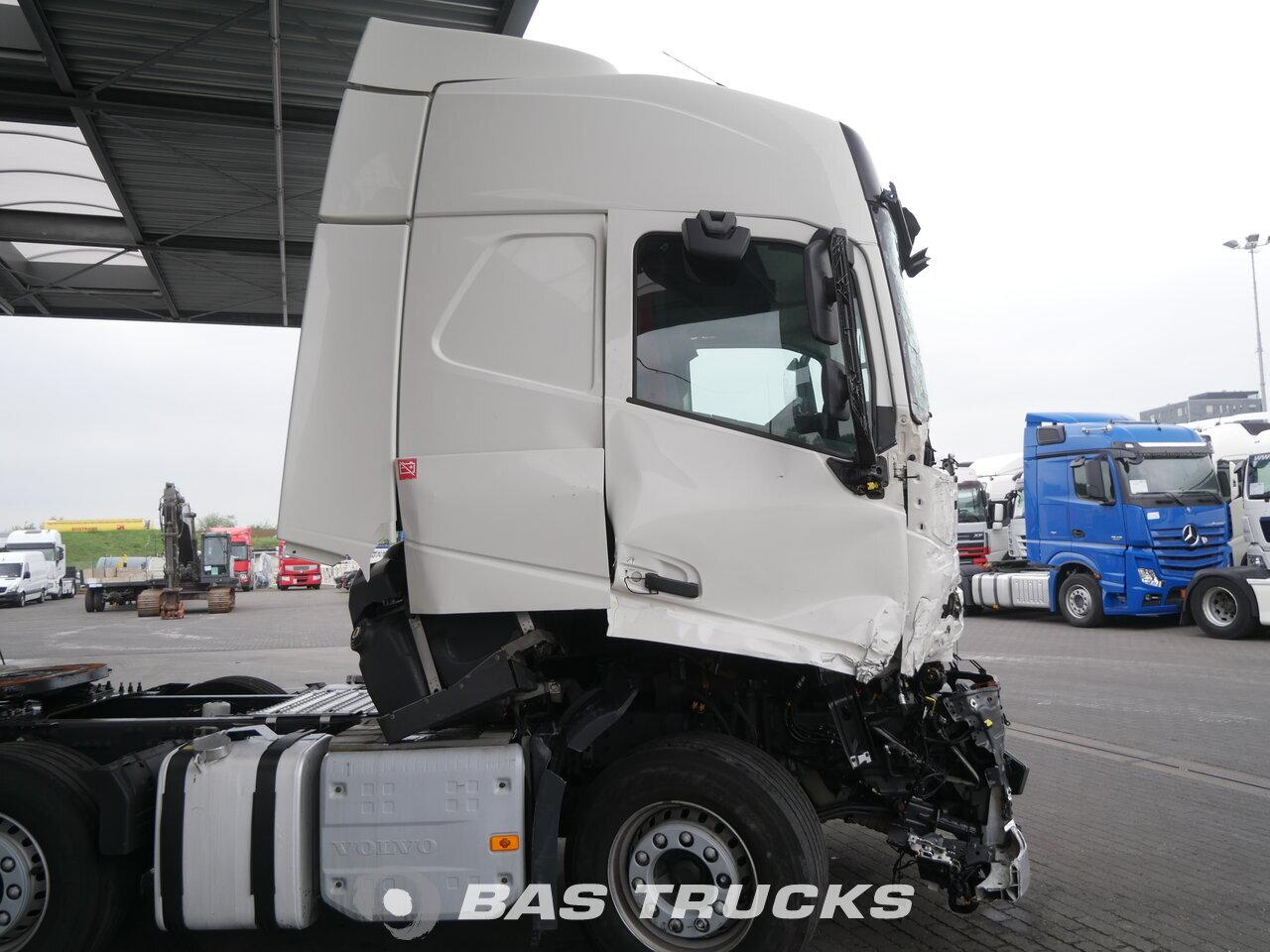 photo of Used Tractorhead Volvo FH 460 Unfall Fahrbahr 6X2 2014