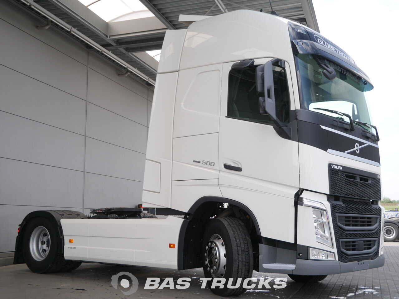 photo of Used Tractorhead Volvo FH 500 XL 4X2 2017