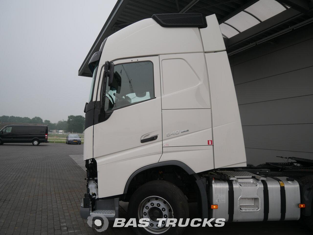 photo of Used Tractorhead Volvo FH 540 XL Unfall Fahrbahr 6X2 2015