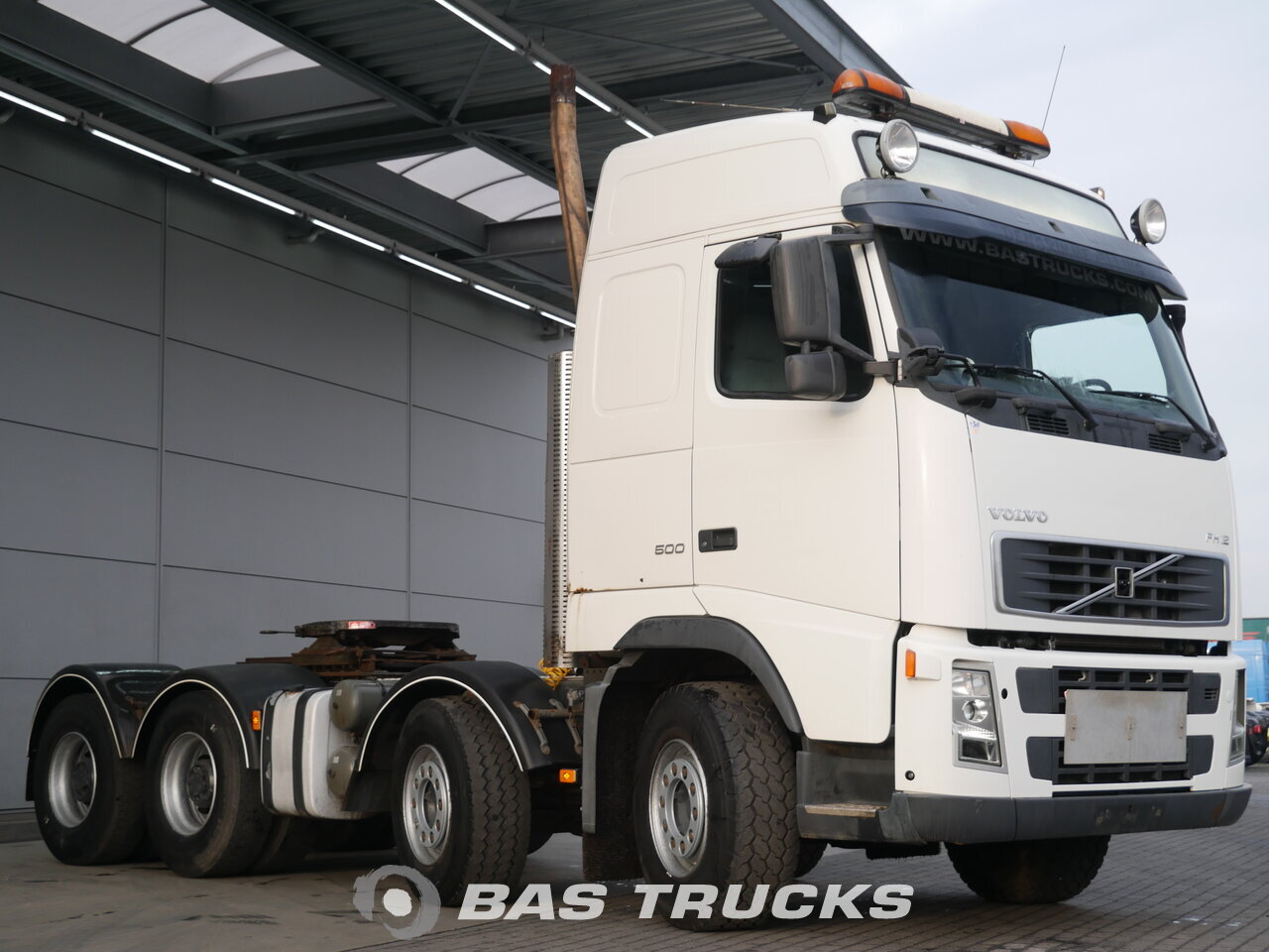 photo of Used Tractorhead Volvo FH12 500 8X4 2003