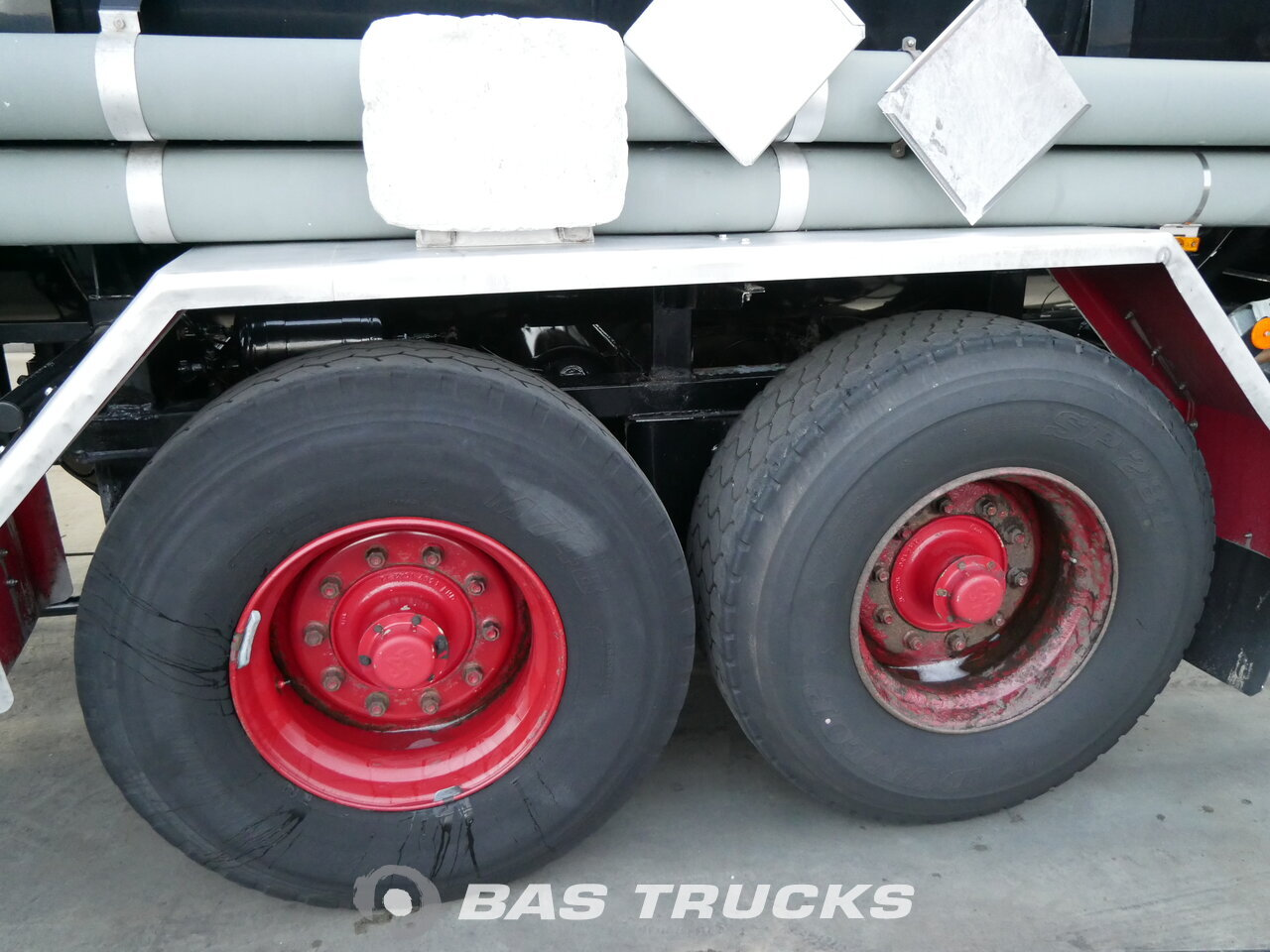 photo of Used Trailer Gofa 16.000 Ltr / Liftachse TA.16 Axels 1986