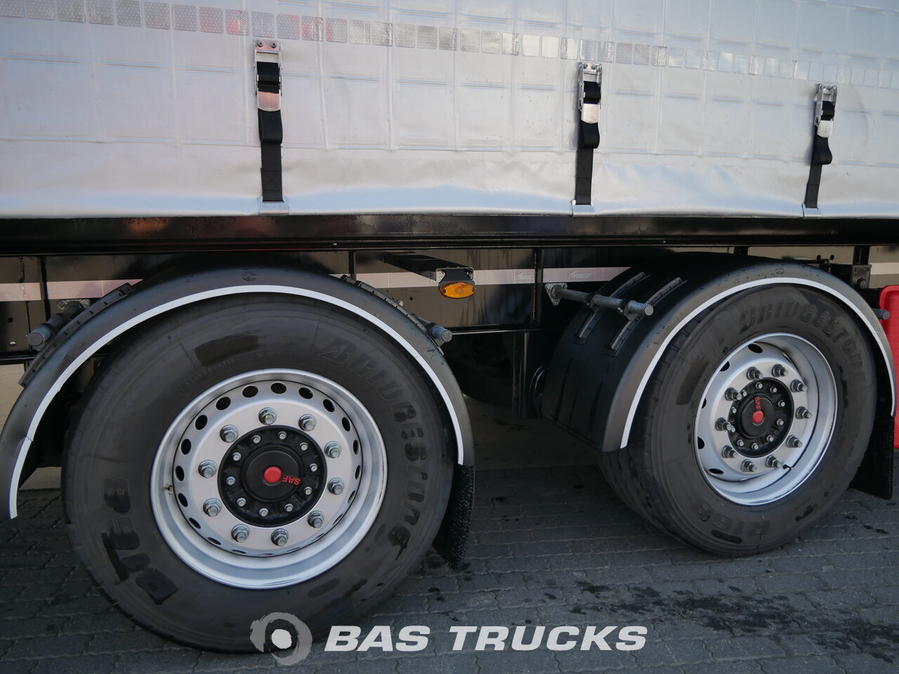 photo of Used Trailer Trouillet Curtainsider Axels 2016