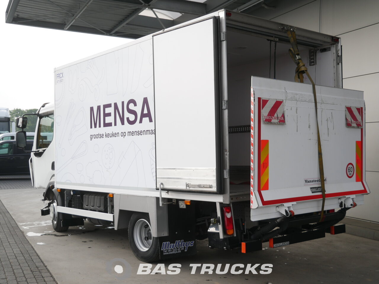 For sale at BAS Trucks: Renault D10 Unfall Fahrbahr 4X2 10/2015