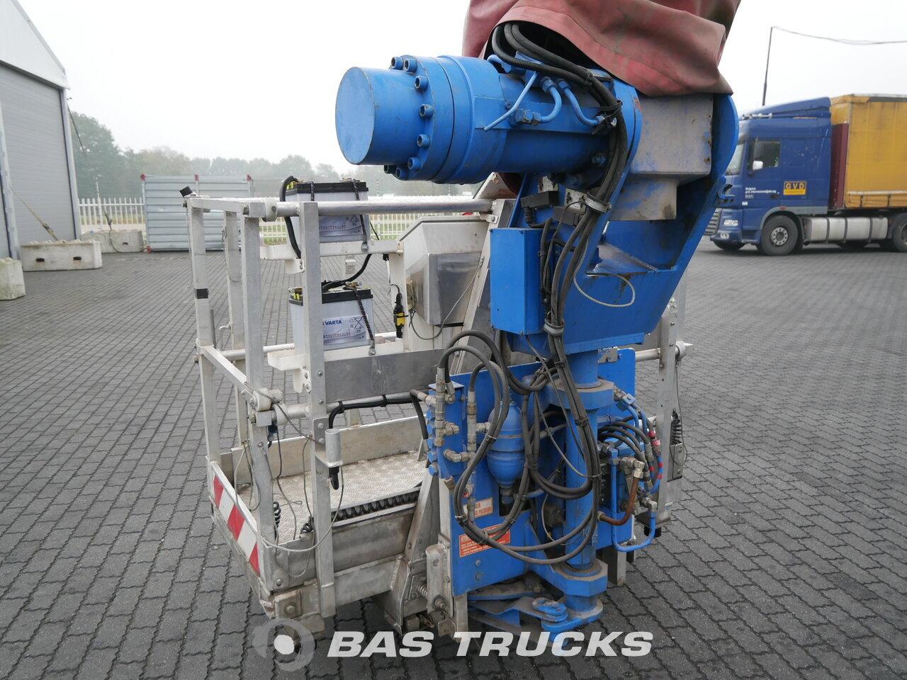 photo of Used Truck Thomas Nacelle 8X8 2000