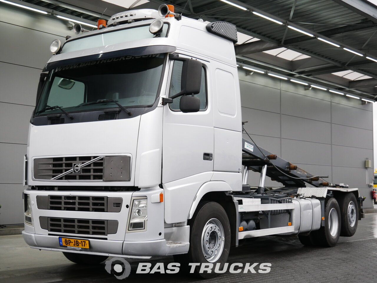 For sale at BAS Trucks: Volvo FH12 460 6X2 04/2004