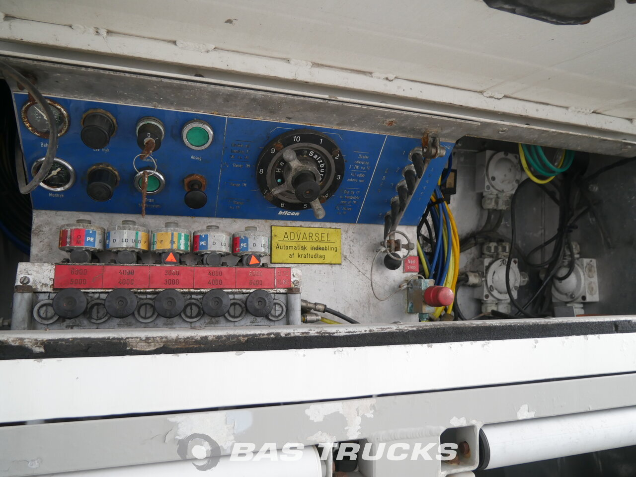 Volvo Fm12 340 Truck Euro Norm 2 13600 Bas Trucks 2000 Electrical Wiring Photo Of Used 8x2 1999