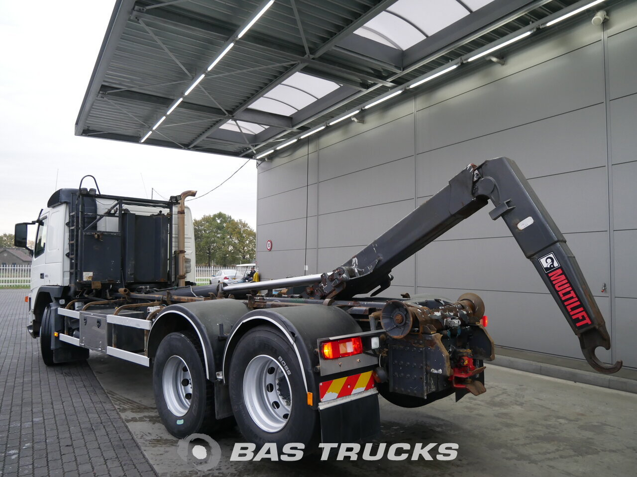 photo of Used Truck Volvo FM12 420 6X2 2005