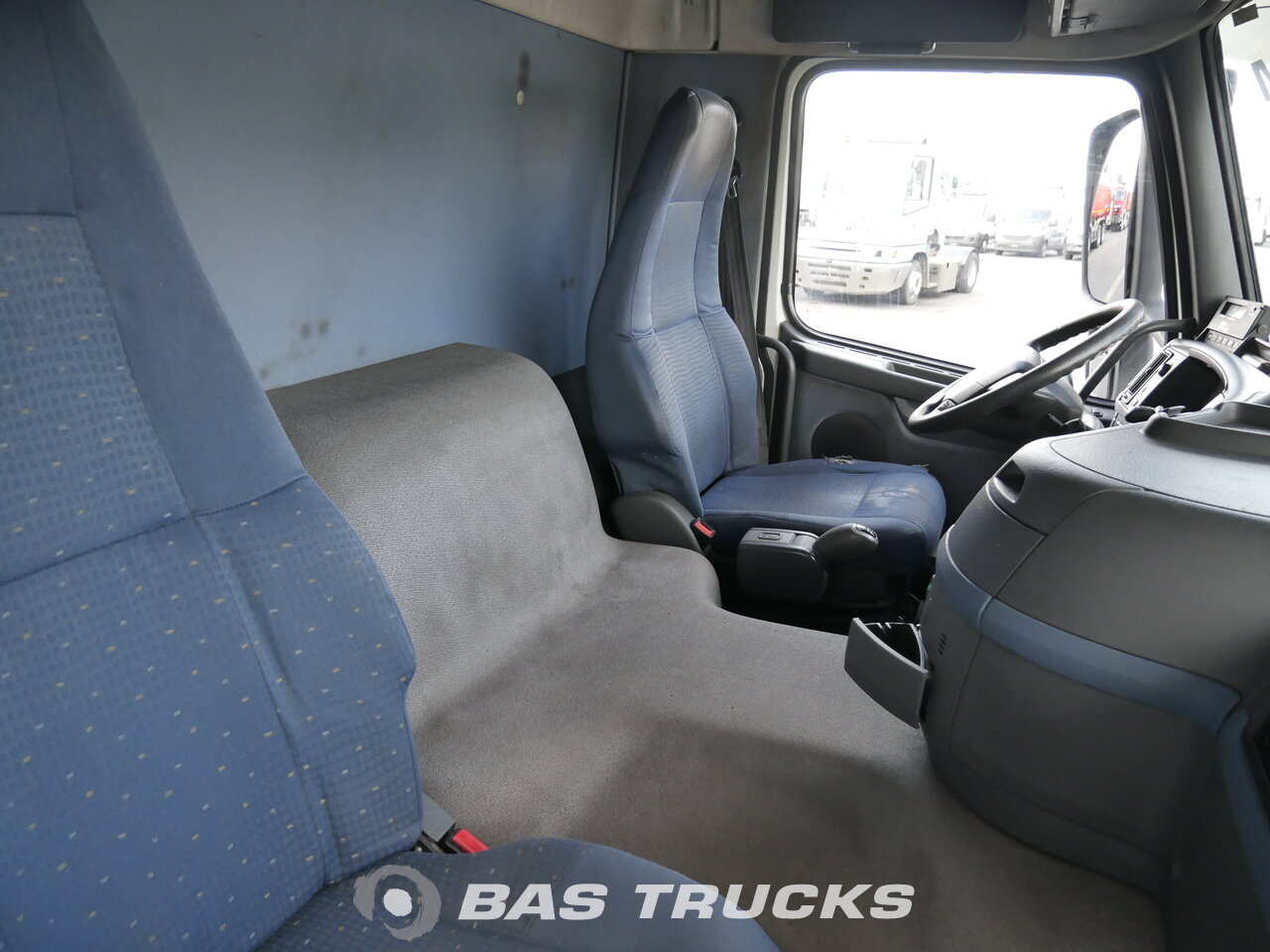 photo of Used Truck Volvo FM9 260 4X2 2006